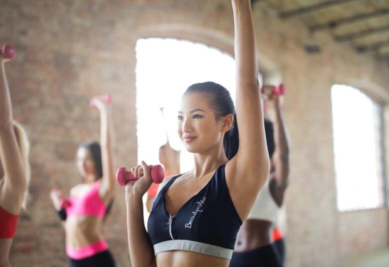 meilleurs moyens de perdre rapidement la graisse des bras comment perdre de la graisse sous les bras