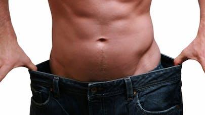 transformation du corps perte de graisse perte de poids avec des poids lourds