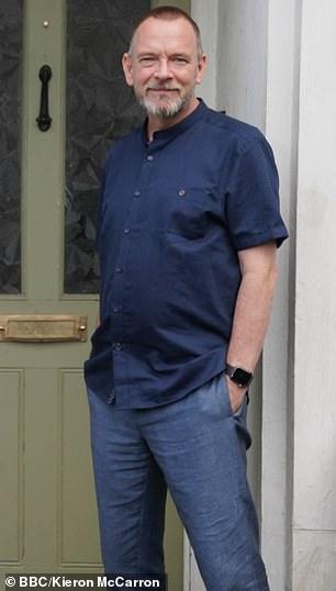 ian eastenders perte de poids critiques de chemise amincissante pour hommes