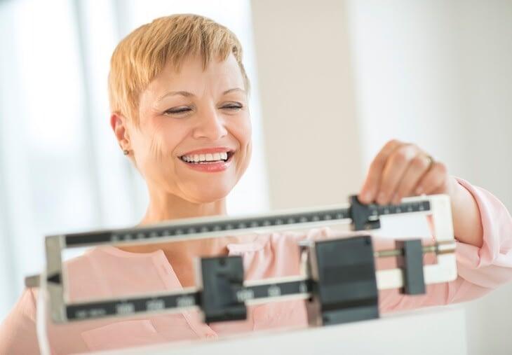 moyen facile de perdre du poids à 50 ans comment manipuler les macros pour perdre de la graisse