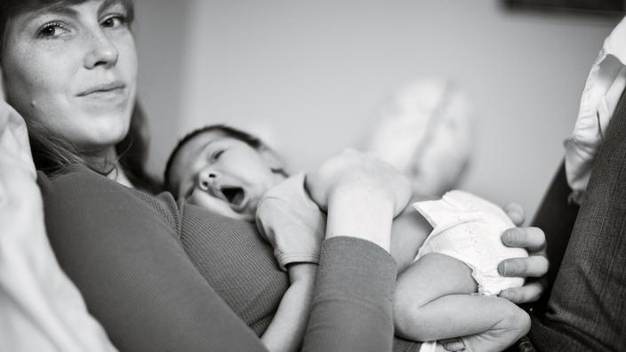Bébé perd du poids à la naissance : à quoi est-ce lié ? ~ Pediatre Online